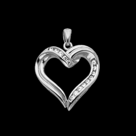 Lovely Platinum Diamond Heart Pendant