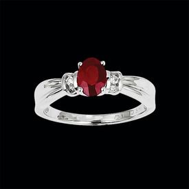 Classic Ruby Diamond Ring