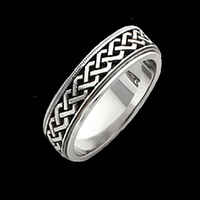 Fancy Celtic Wedding Band