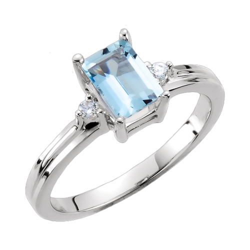 Gorgeous Aquamarine & Diamond Ring