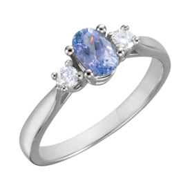 Beautiful Tanzanite Diamond Ring
