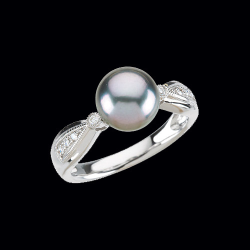 Pretty Tahitian Pearl & Diamond Ring