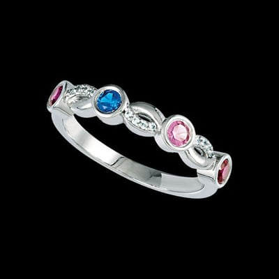 Isadora, Infinity Mothers Ring