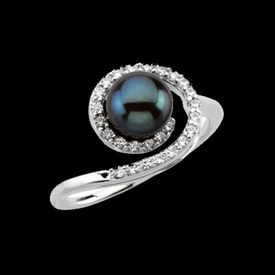 Pearl Rings Black Akoya Pearl & Diamond Ring