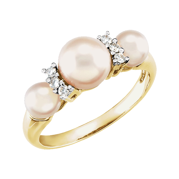 Three Pearl Ring She Will Say Yes To This Classic Piece