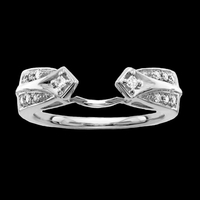 Lovely White Gold Diamond Solitaire Wrap